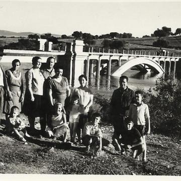 Antiguo puente del Tajo inundándose