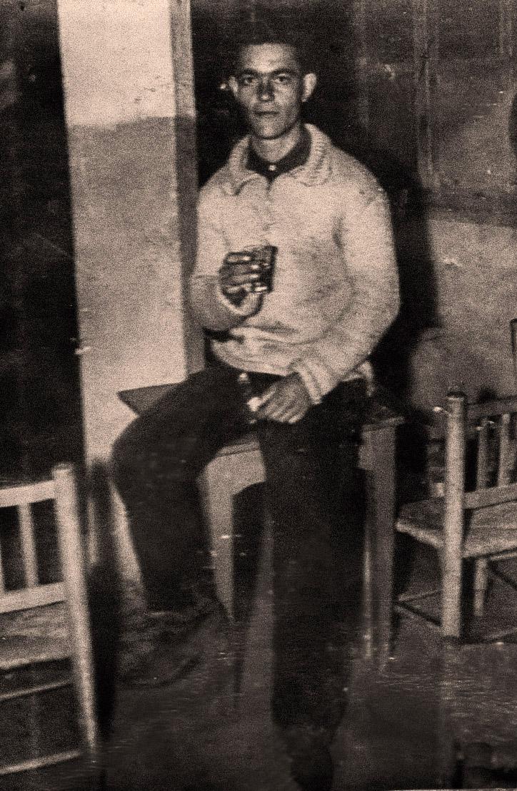 José Manzano en el frontón
