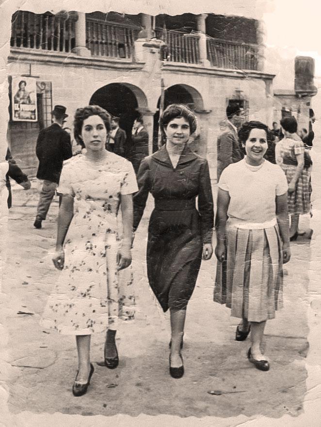 Amigas de Carmen Manzano en el Cristo